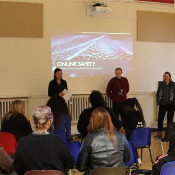 Arc School parents and carers learn out about E-safety